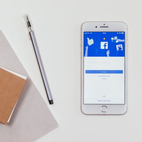 cellphone-electronics-facebook-744464
